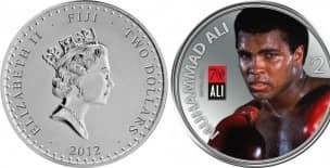 26 июня: Мохаммед Али, легендарный боксер США, объявил, что покидает бокс